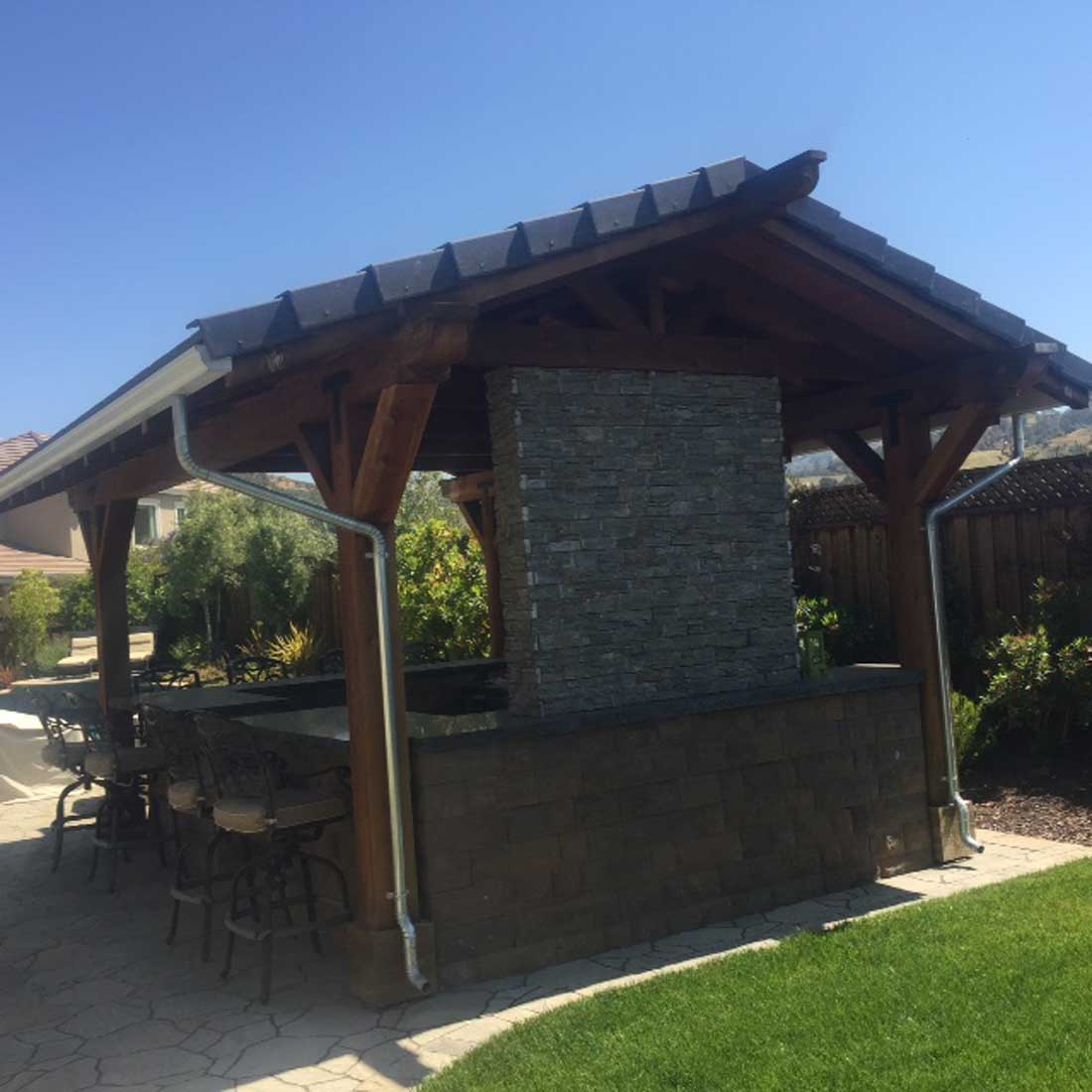 Covered outdoor kitchen | Nor Cal Landscape Design